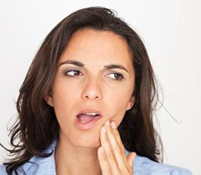 болит зуб под коронкой, что делать